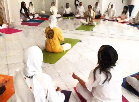Lo yoga in Persia